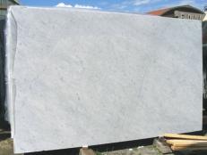 Fornitura lastre grezze lucide 2 cm in marmo naturale BIANCO CARRARA CD EDM25103. Dettaglio immagine fotografie