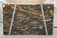 Fornitura lastre grezze lucide 3 cm in granito naturale BLACK VULCON 2480. Dettaglio immagine fotografie