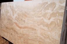 Fornitura lastre grezze lucide 2 cm in breccia naturale BRECCIA ONICIATA ed_IM003518. Dettaglio immagine fotografie