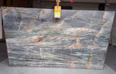 Fornitura lastre grezze lucide 2 cm in quarzite naturale BRITA BLUE Z0359. Dettaglio immagine fotografie