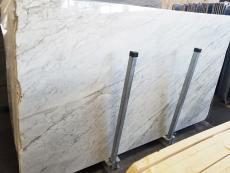 Fornitura lastre grezze lucide 2 cm in marmo naturale CALACATTA ARNI Z0175. Dettaglio immagine fotografie