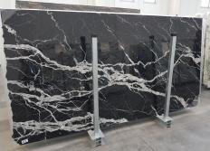 Fornitura lastre grezze lucide 2 cm in marmo naturale CALACATTA BLACK 1459. Dettaglio immagine fotografie