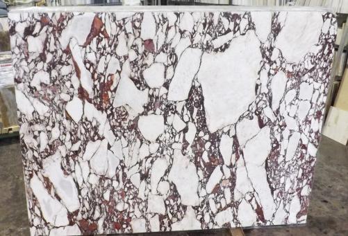 Fornitura lastre grezze lucide 2 cm in marmo naturale CALACATTA VAGLI ROSATO AA R125. Dettaglio immagine fotografie