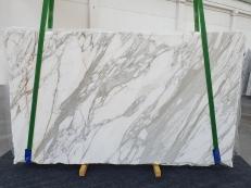Fornitura lastre lucide 2 cm in marmo naturale CALACATTA 1228. Dettaglio immagine fotografie