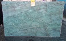 Fornitura lastre grezze lucide 2 cm in quarzite naturale EMERALD GREEN Z0209. Dettaglio immagine fotografie