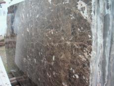 Fornitura lastre grezze lucide 2 cm in marmo naturale EMPERADOR OSCURO E-O502. Dettaglio immagine fotografie