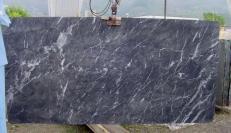 Fornitura lastre grezze lucide 2 cm in marmo naturale GRIGIO CARNICO SRC41125. Dettaglio immagine fotografie