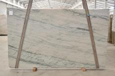 Fornitura lastre grezze lucide 0.8 cm in quarzite naturale INFINITY GREY 2390. Dettaglio immagine fotografie