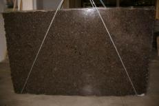Fornitura lastre grezze lucide 3 cm in labradorite naturale LABRADOR ANTIQUE C_17264. Dettaglio immagine fotografie
