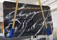 Fornitura lastre grezze lucide 2 cm in marmo naturale MONACO BLACK AA T0101. Dettaglio immagine fotografie