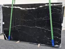 Fornitura lastre grezze lucide 2 cm in marmo naturale NERO MARQUINA 1378. Dettaglio immagine fotografie