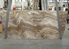 Fornitura lastre grezze lucide 3 cm in travertino naturale TRAVERTINO SILVER C-945. Dettaglio immagine fotografie