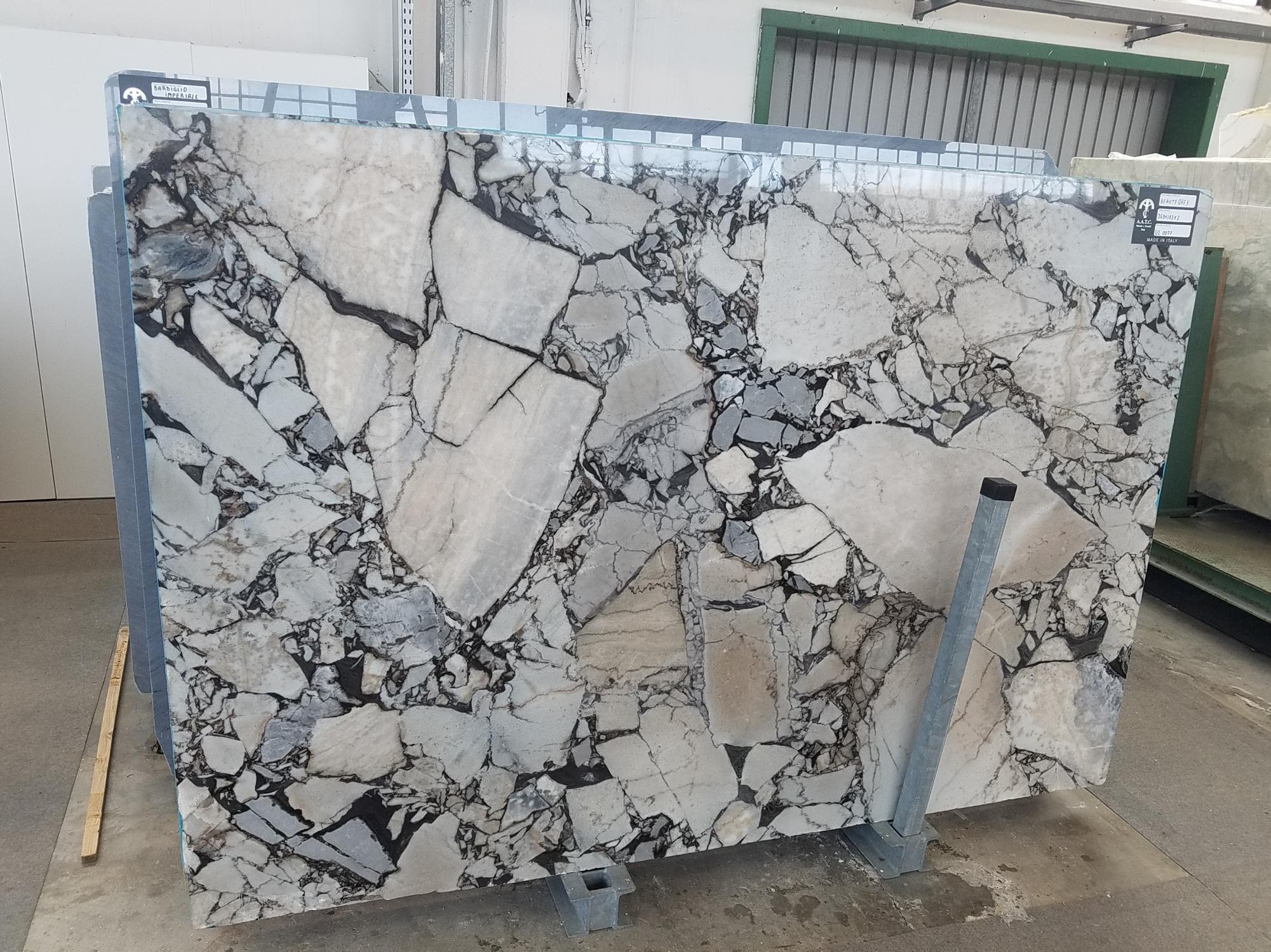 BEAUTY GREY Fornitura Veneto (Italia) di lastre grezze lucide in marmo naturale UL0077 , SL2