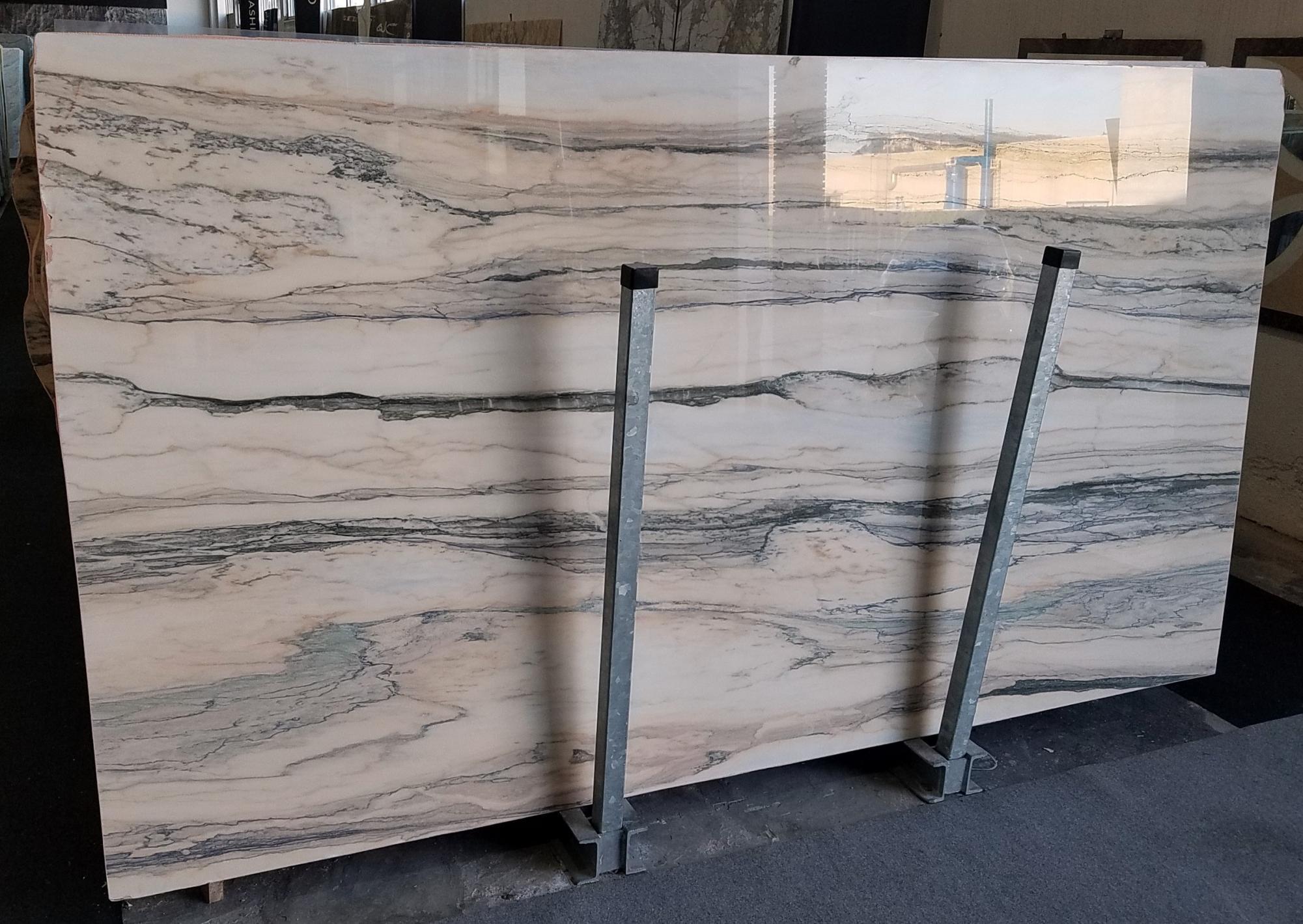 CALACATTA SAINT TROPEZ Fornitura Veneto (Italia) di lastre grezze lucide in marmo naturale A0128 , Slab #67