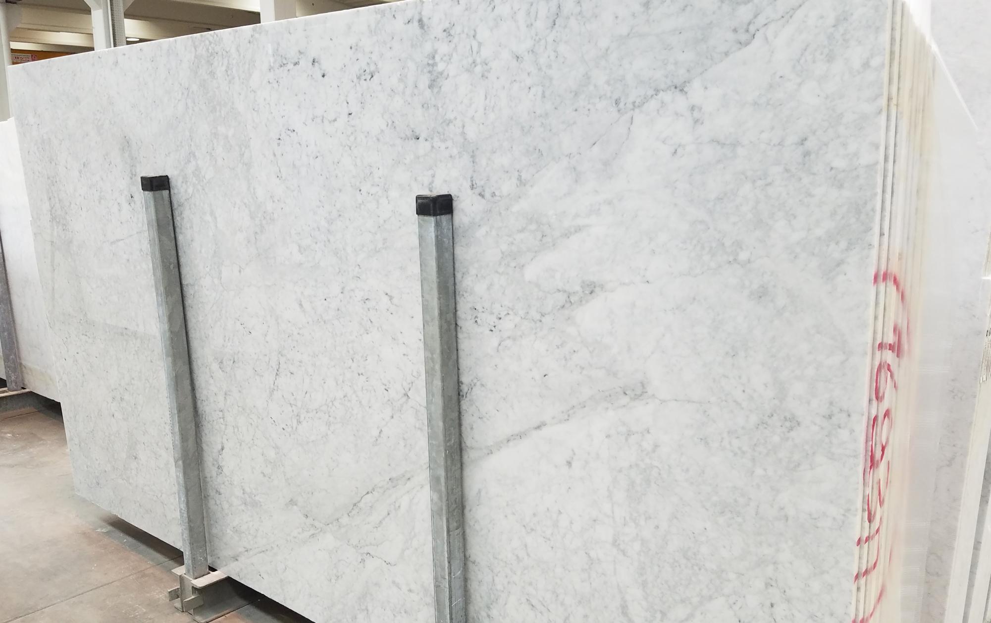 CARRARA Fornitura Veneto (Italia) di lastre grezze lucide in marmo naturale 1693M , SL2CM