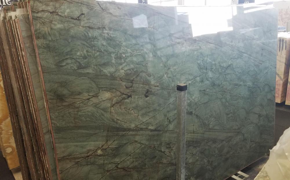 EMERALD GREEN Fornitura Veneto (Italia) di lastre grezze lucide in quarzite naturale Z0209 , Slab #02