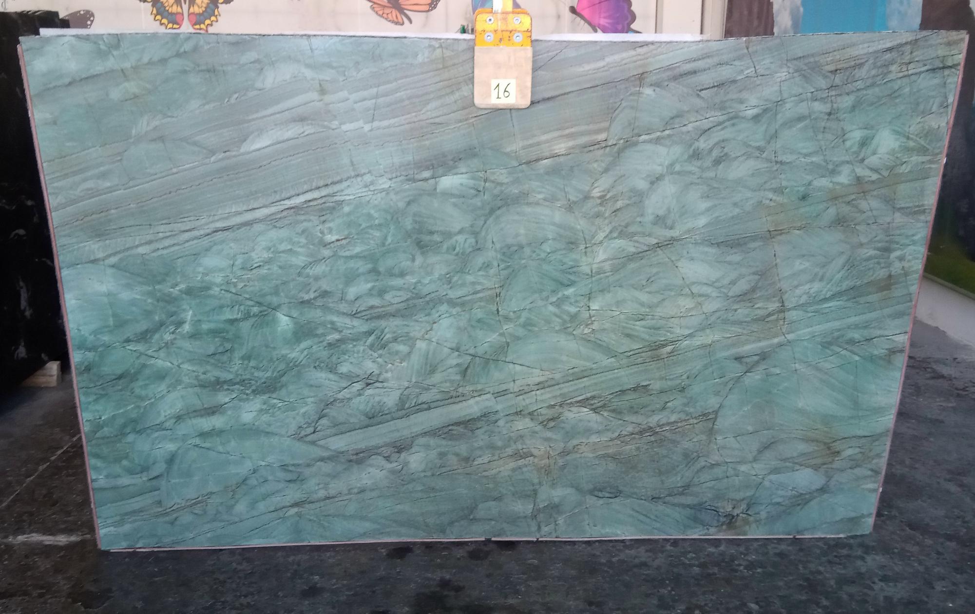 EMERALD GREEN Fornitura Veneto (Italia) di lastre grezze lucide in quarzite naturale Z0209 , Slab #16