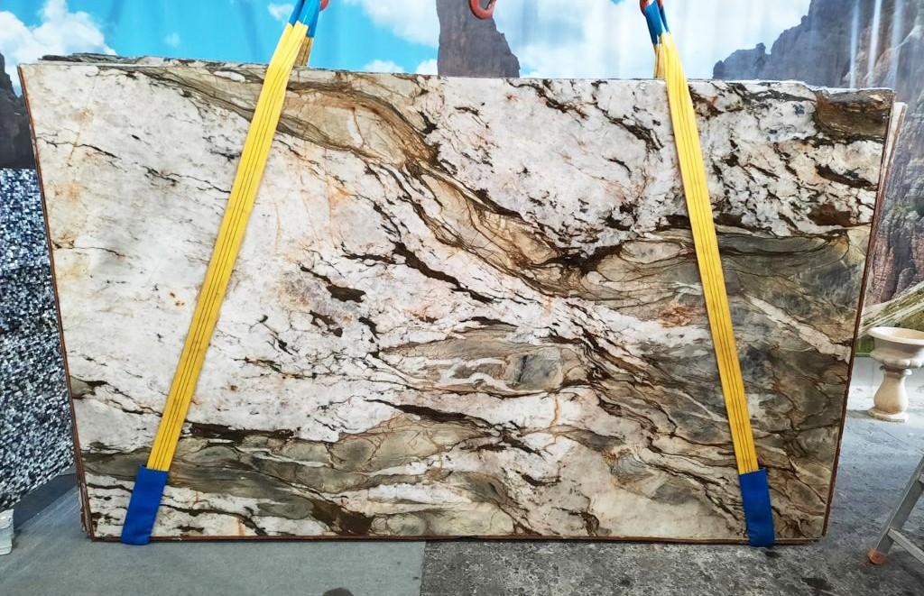 FUSION MISTIC Fornitura Veneto (Italia) di lastre grezze lucide in quarzite naturale U0113 , Slab #40