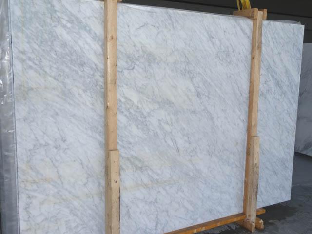 VENATINO BIANCO Fornitura (Italia) di lastre grezze lucide in marmo naturale SR_28342