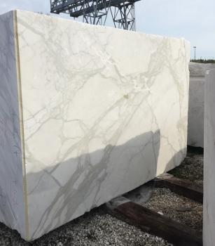CALACATTA ORO EXTRA 1 blocco marmo italiano grezzo Face B,  310 x 205 x 177 cm pietra naturale (disponibile in Veneto, Italia)