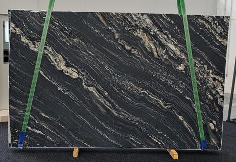 TROPICAL STORMlastra grezza quarzite della Namibia levigata Slab #33,  310 x 198 x 2 cm pietra naturale (disponibile in Veneto, Italia)